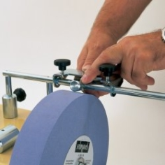 Scheppach Tiger Stripping Device ensuring that the grinding wheel is always perfectly round and level